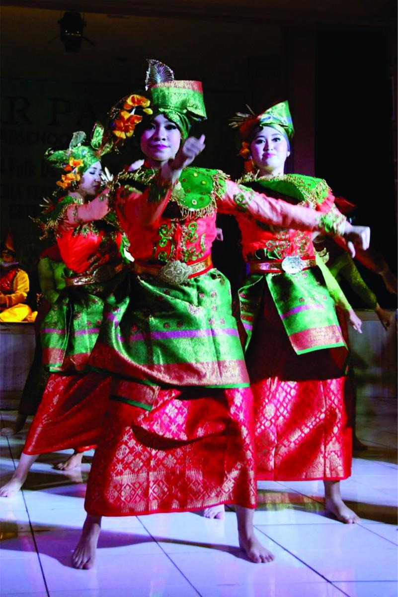 INDONESIA - D_akarta - Dance Group Labsky Smp Labschool Kebayoran